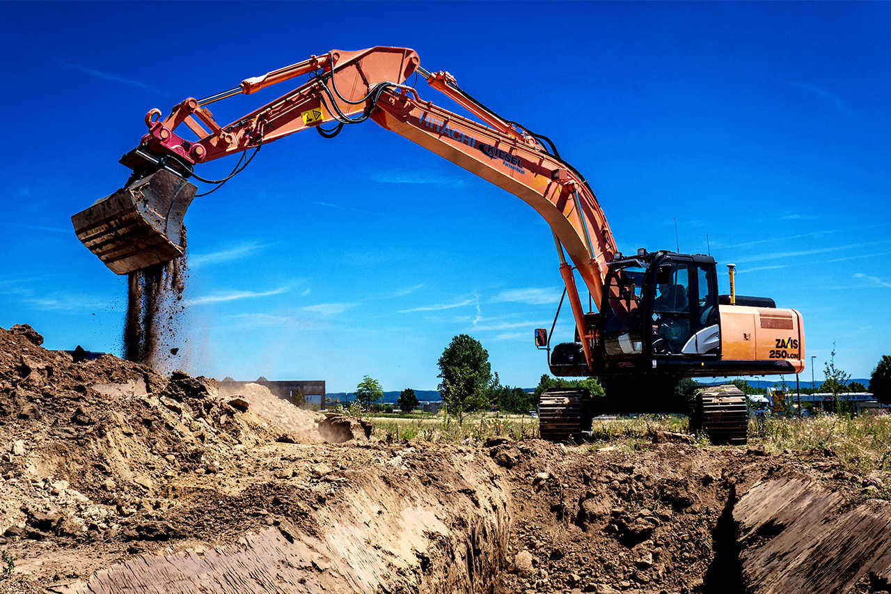 Hitachi excavator work faster with Xsite